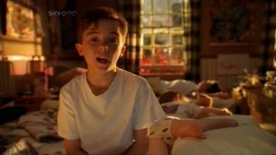 Malcolm-in-the-Middle-1x01-Screencap-1-MITMVC1.jpg