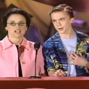 Frankie Muniz co-hosted the Nickelodeon Kids' Choice Awards (2000)