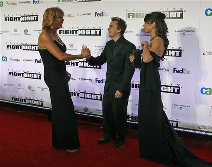 Nancy Leiberman greets Frankie Muniz and Elycia Marie