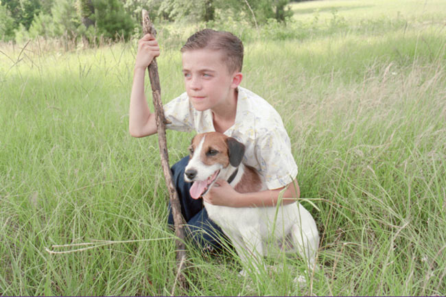 Frankie Muniz with Enzo in 'My Dog Skip'