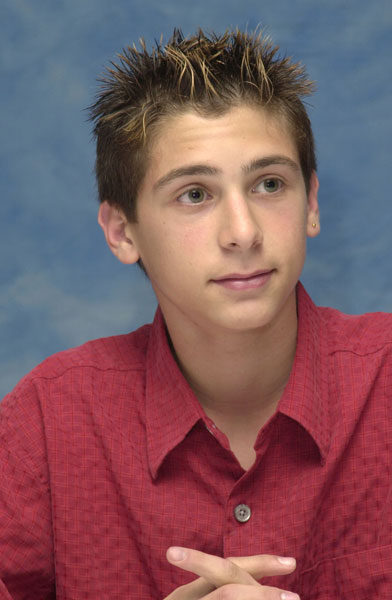 Justin Berfield at 2001 Press Conference - Malcolm in the ...