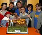 Cast-Linwood-100th-Ep-Bowling-Party-07-Feb-2004-MITMVC-03.jpg