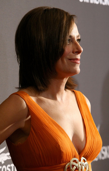 Jane-Kaczmarek-11th-Annual-Costume-Designers-Guild-Awards-Feb-09-MITMVC-13