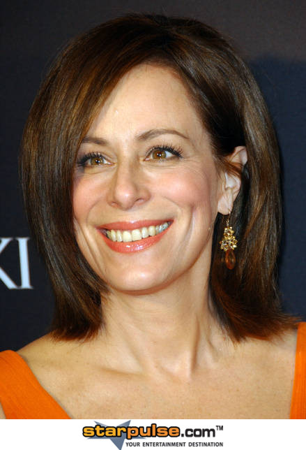Jane-Kaczmarek-11th-Annual-Costume-Designers-Guild-Awards-Feb-09-MITMVC-51