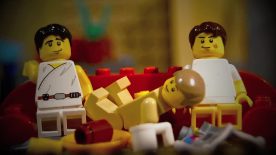 Superb Malcolm in the Middle intro in LEGO!